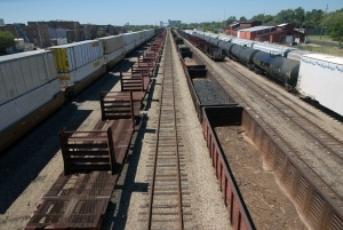 1331498_train Тонкости организации грузоперевозок - логистические услуги и таможенное оформление грузов