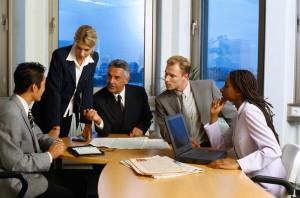 teammeeting-hires-300x198 Что делать, если ни одна из кандидатур на управление бизнесом не подходит?