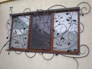 32608-300x225 Бизнес идеи: изготовление решеток на окна и профессиональная установка