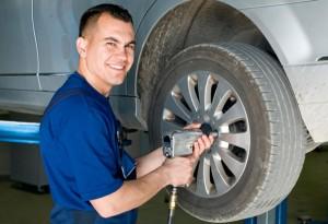 technician1-300x205 Реальные бизнес идеи на обслуживании авто
