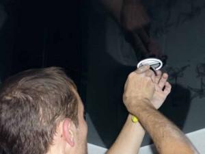 montaj-natiajnogo-potolka-4-300x225 Бизнес идея: Устанавливаем освещение в подвесные потолки
