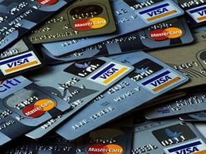CreditCards_871940767-300x225 Кредитные карты - это удобный способ оплаты в сети