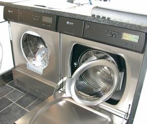 12-11-2006-15-57-15-chestermikeuk-300x253 В чем преимущества элитного стирального оборудования