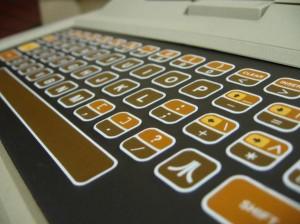 1303277-atari_400_keyboard_super-300x224 Как моя пауза в интернгет-бизнесе связана с Prince of Persia (1989)