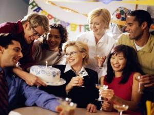 bab2d5d59ac444db8043a4f3e32c9f0e_XL-300x225 Как провести веселое и яркое празднование дня рождения своего босса?