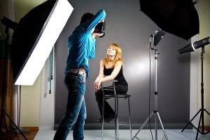 012_7-300x200 Научитесь фотографировать в помещении и продавать эти услуги в сети
