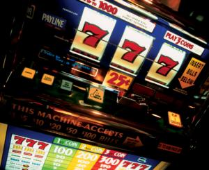 slot-machine2-300x245 Казино ПинАп к-игровые автоматы для смелых