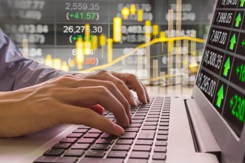 poza-ecrane-fxhp Онлайн-школа инвестирования и трейдинга как инструмент для успеха