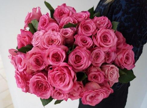 zvet4 Нужно доставить цветы в пределах Казани? Обратитесь к нам!